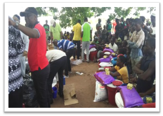 Erste Hilfsmaßnahmen nach dem Zyklon Idai, Verteilung von Hilfsgütern