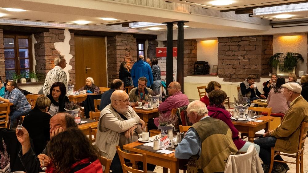 Im gut frequentierten Mühlencafé gab es für die Besucher Kaffee und Kuchen © Achim Schneider, OM