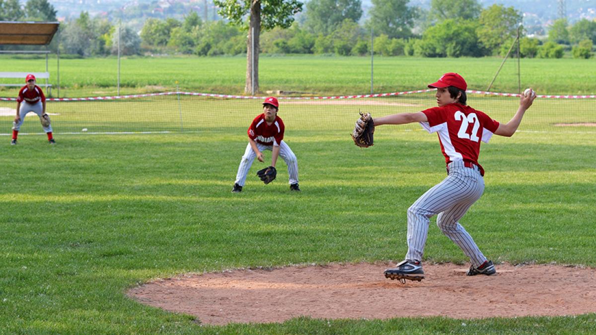 Die ungarische Jugend findet durch Baseball Christus