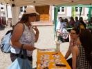 An verschiedenen Ständen konnten sich die Besucher informieren oder internationale Leckereien abholen.