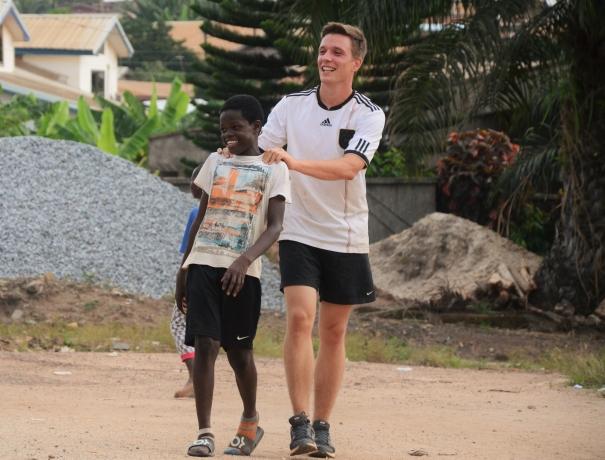 Lukas Schultz leitet die Sportmission in Ghana
