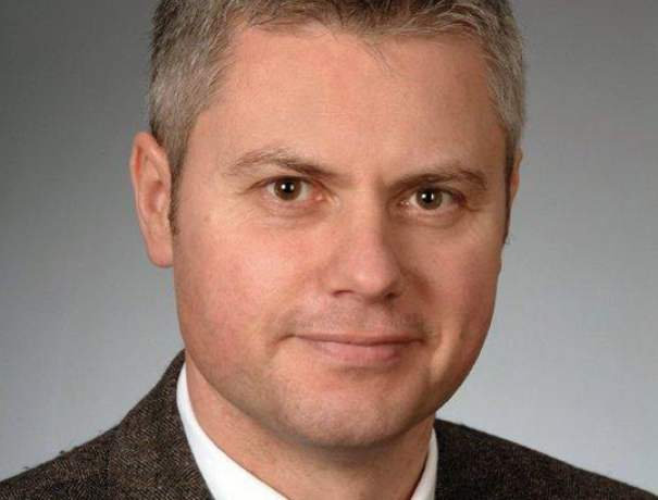Porträt von Fachanwalt Wolfgang Roth