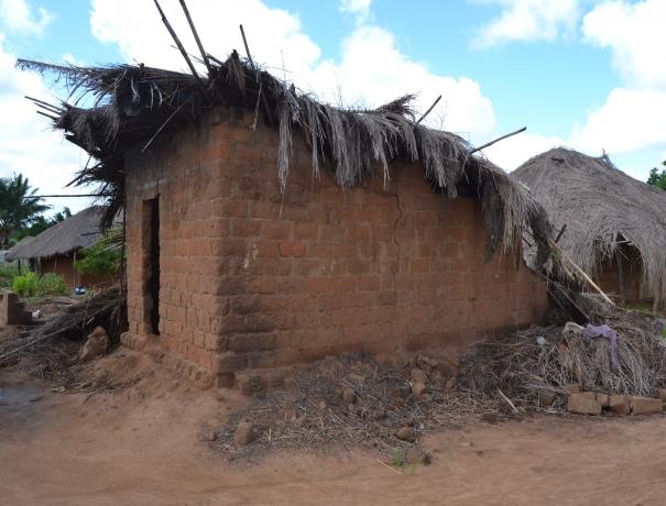 Von Zyklon Idai zerstörtes Haus in Mosambik