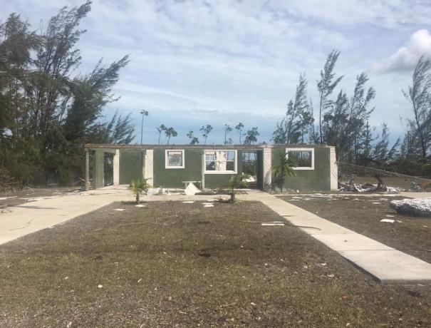 Zerstörtes Haus auf den Bahamas nach dem Hurrikan Dorian